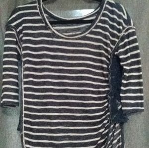 Stripped 3/4 sleeve top